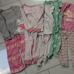 5 pack 4T carters pajamas
